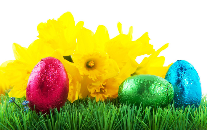 Holidays_Easter_Easter_eggs_on_grass_020674_ (700x437, 108Kb)