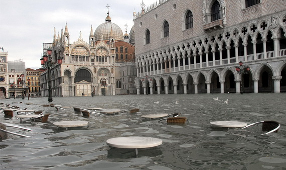 затопленная венеция (570x340, 90Kb)