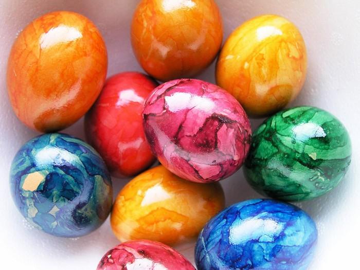 50+ Оригинальные пасхальные яйца 37 (700x525, 98Kb)