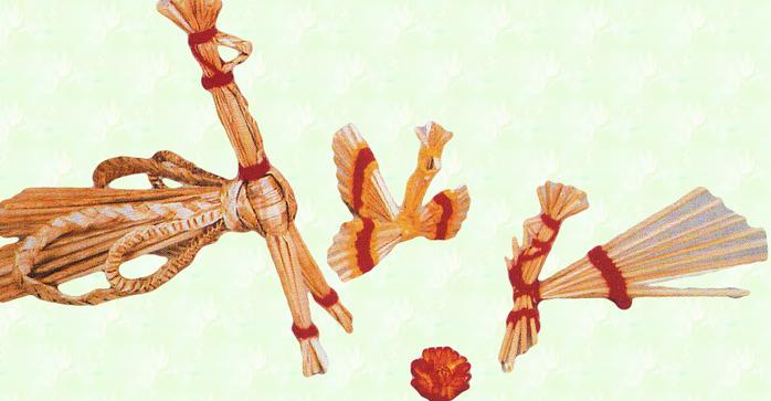 Поделка из соломы птицы