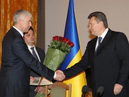 Саламатин зачистит армию под Януковича/4631441_salamatin_yanukovich (450x337, 19Kb)