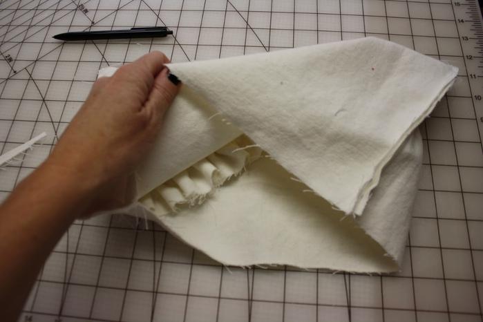 Как сделать подушку из синтепона своими руками