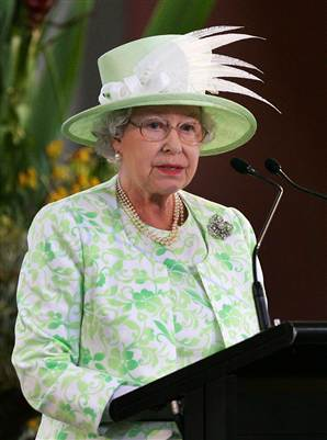 061204_queenElizabeth_vmed_10a.widec (298x401, 18Kb)