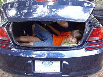 Внучка немца в багажнике (340x255, 34Kb)