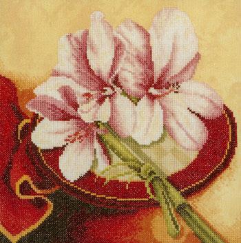 """Оценить.  Средне.  Набор для вышивания  """"Flowers from the Orient (3) """" изготовлен фирмой  """"Lanarte """".  Отлично."""