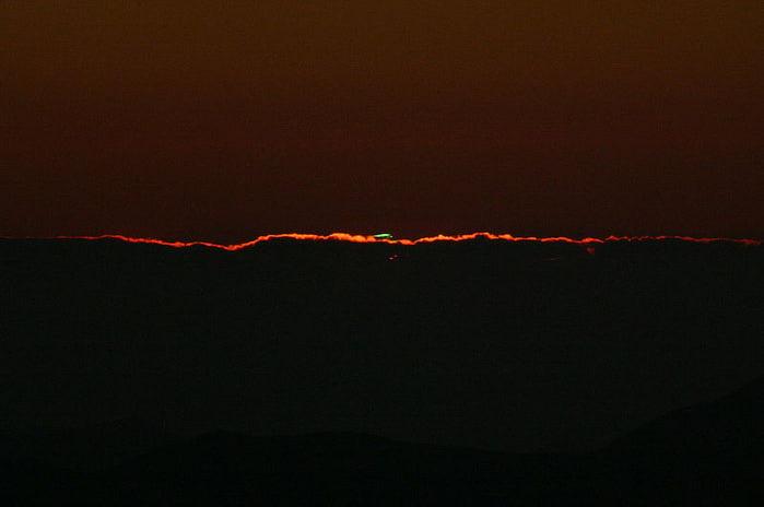 800px-Rayon_vert_observatoire_de_La_Silla (700x464, 15Kb)