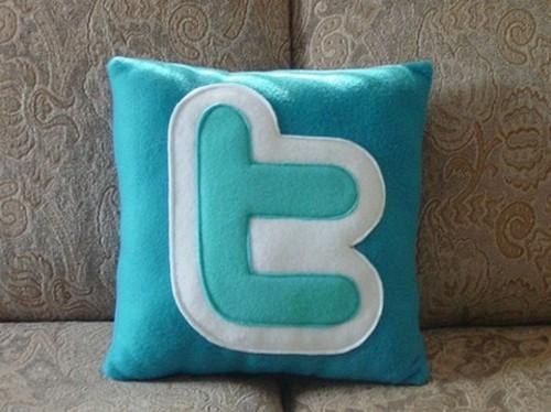 Креативные подушки и одеяла 10 (500x374, 51Kb)