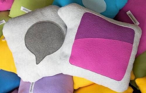 Креативные подушки и одеяла 18 (500x318, 40Kb)