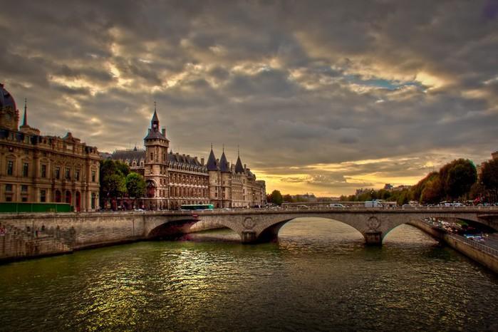Лучшие фото Парижа в формате HDR 48 (700x466, 93Kb)