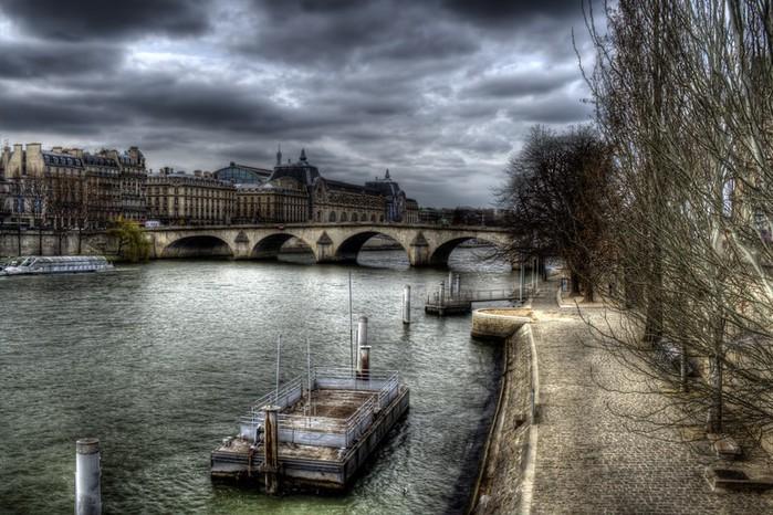 Лучшие фото Парижа в формате HDR 54 (700x466, 120Kb)