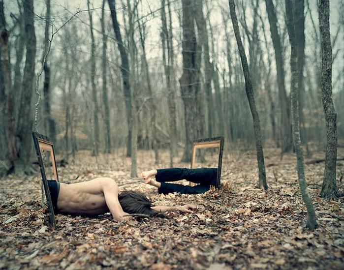 Странный фото-сюрреализм от Kevin Corrado 17 (700x549, 127Kb)