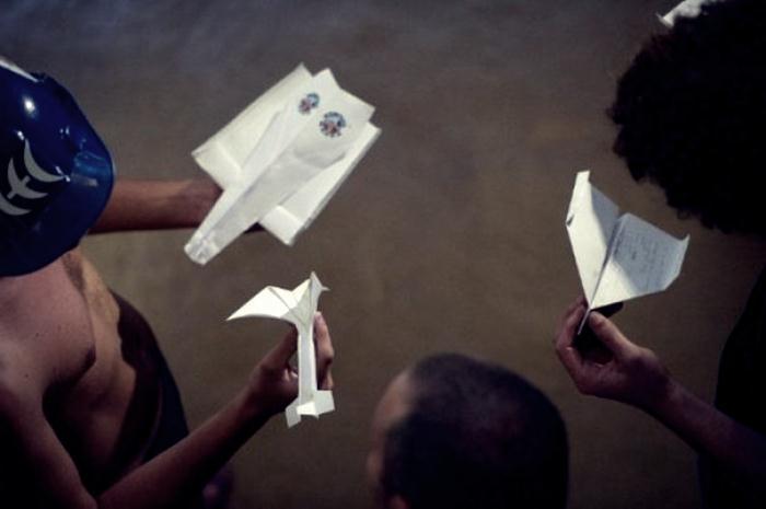 бумажные самолетики 08 (700x465, 24Kb)