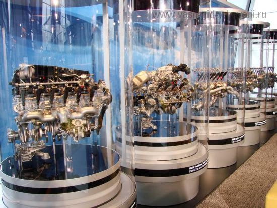 музей bmw 3 (550x413, 52Kb)