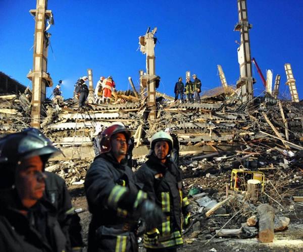 Обрушение многоэтажного дома в Москве