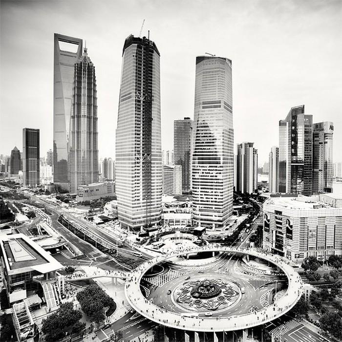 Красивые черно белые фото Шанхая от Martin Stavars 6 (700x700, 174Kb)