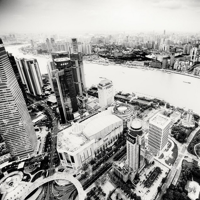 Красивые черно белые фото Шанхая от Martin Stavars 16 (700x700, 182Kb)