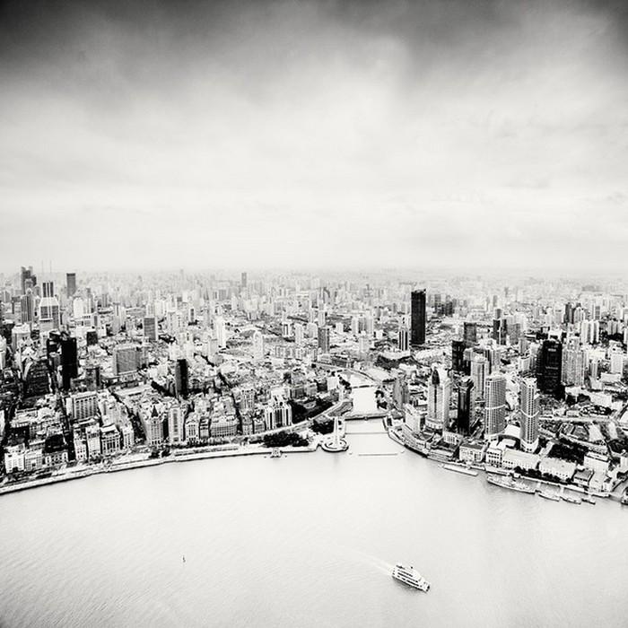 Красивые черно белые фото Шанхая от Martin Stavars 23 (700x700, 114Kb)