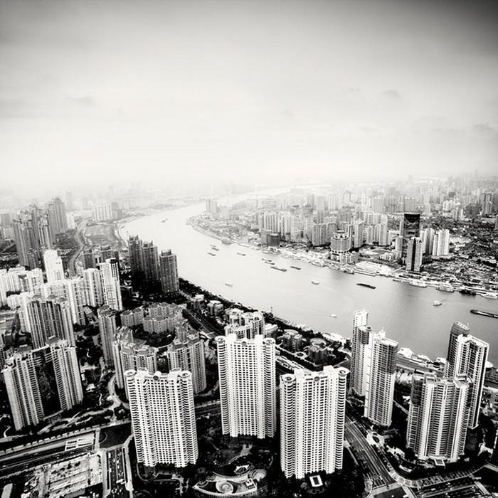 Красивые черно белые фото Шанхая от Martin Stavars 27 (700x700, 148Kb)