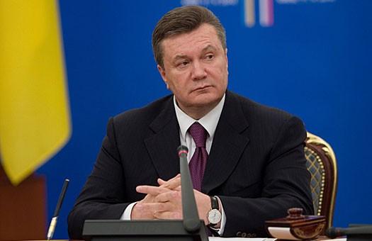 Янукович обнародовал свои гонорары, счета и недвижимость.