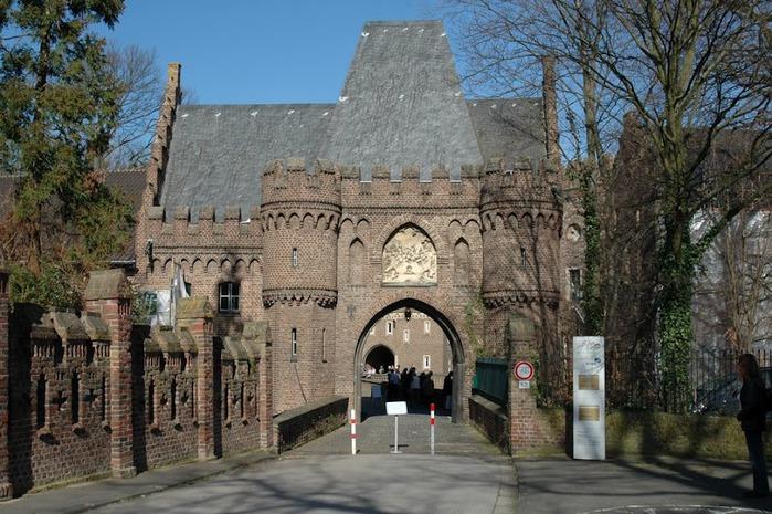 ЗАМОК Паттендорф - Schloss Paffendorf 54424