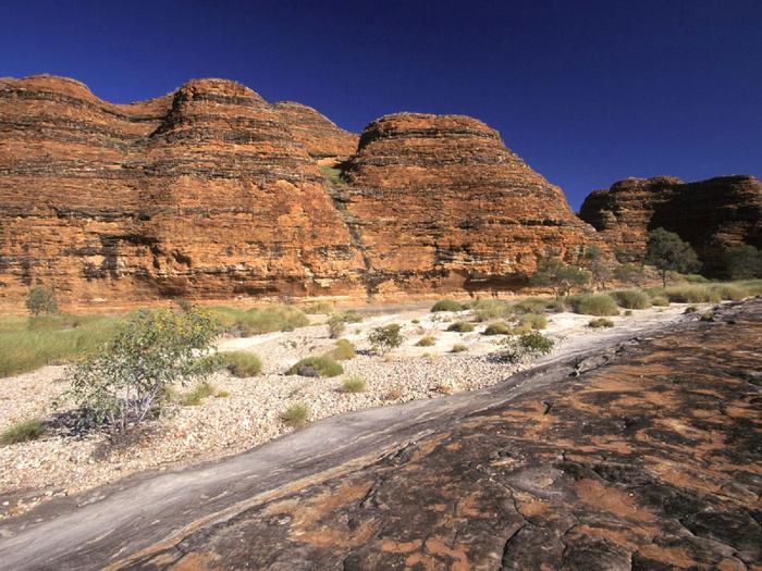 Bungle Bungle Massif, Kimberly Plains, Purnululu National Park, Australia (700x525, 520Kb)