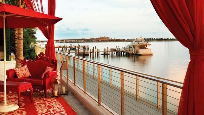 Удивительно красивый дизайн отеля Mondrian South Beach 1 (700x393, 87Kb)
