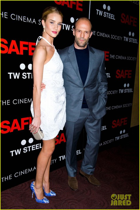 rosie-huntington-whiteley-safe-premiere-jason-statham-12 (468x700, 85Kb)