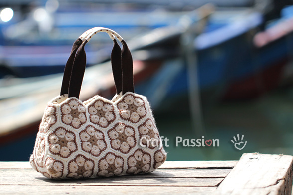 african-flower-crochet-purse-5 (588x392, 82Kb)