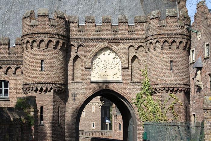 ЗАМОК Паттендорф - Schloss Paffendorf 50662