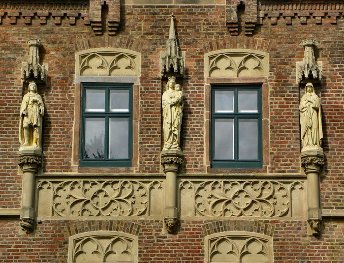 ЗАМОК Паттендорф - Schloss Paffendorf 46218