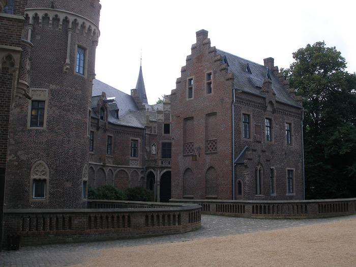 ЗАМОК Паттендорф - Schloss Paffendorf 44818