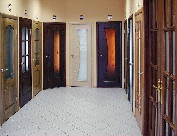 Советы покупателю по выбору межкомнатных дверей.
