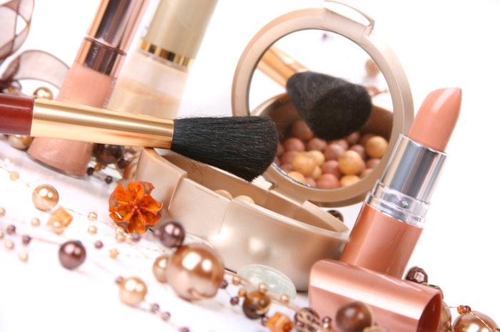 2749438_cosmetics (700x466, 117Kb)