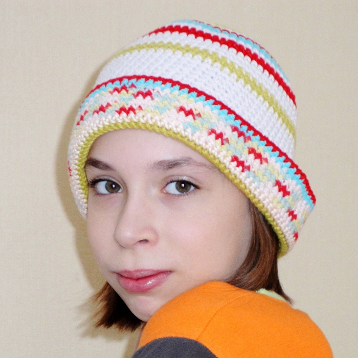 Для того, чтобы связать шляпу крючком, я использую хлопковую пряжу или не очень мягкую шерсть с акрилом.