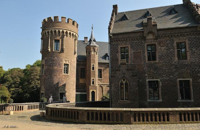 ЗАМОК Паттендорф - Schloss Paffendorf 89312