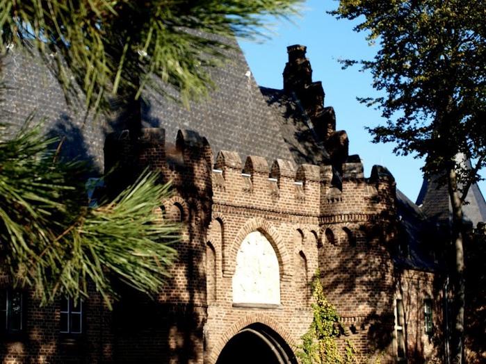 ЗАМОК Паттендорф - Schloss Paffendorf 89049
