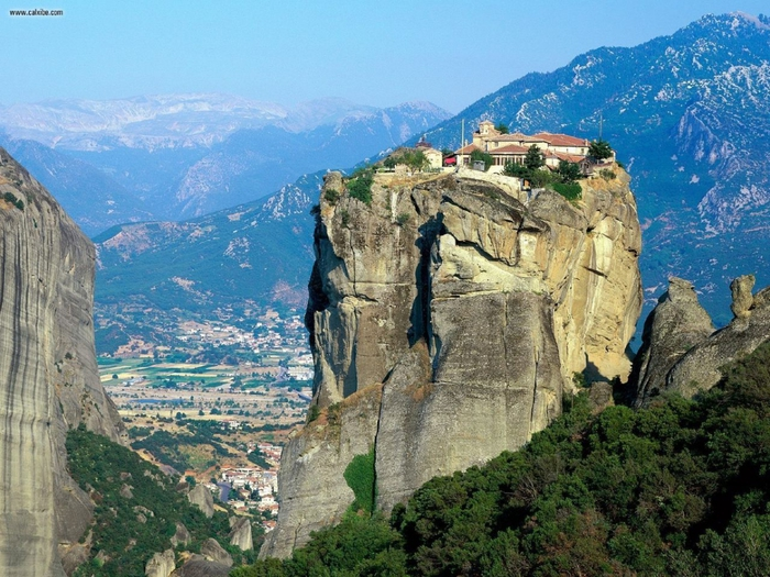 4216969_Monastery_of_Agia_Triada_Meteora_Greece_1280x960 (700x525, 344Kb)