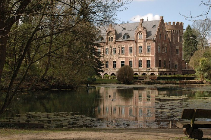 ЗАМОК Паттендорф - Schloss Paffendorf 71811