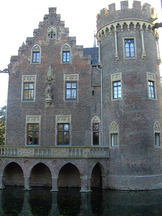 ЗАМОК Паттендорф - Schloss Paffendorf 22845
