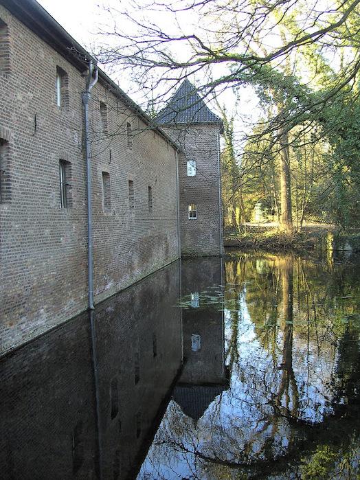 ЗАМОК Паттендорф - Schloss Paffendorf 44528