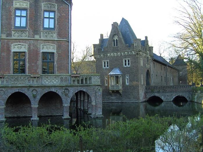 ЗАМОК Паттендорф - Schloss Paffendorf 48208