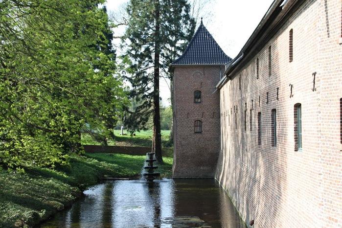 ЗАМОК Паттендорф - Schloss Paffendorf 96783