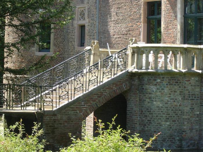 ЗАМОК Паттендорф - Schloss Paffendorf 72589