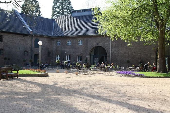 ЗАМОК Паттендорф - Schloss Paffendorf 75480