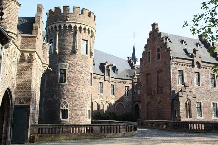 ЗАМОК Паттендорф - Schloss Paffendorf 87114