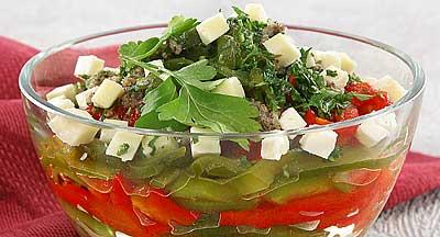 Салат из сладкого перца с брынзой