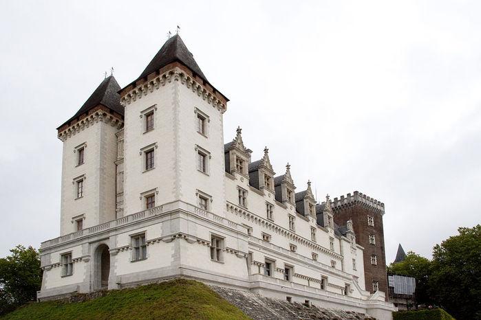 1024px-Pau_Castle (700x466, 58Kb)
