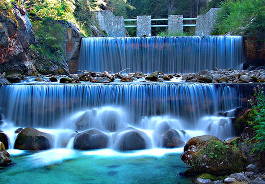 slomo-waterfalls[1] (520x362, 92Kb)
