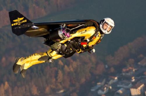 летающий человек (500x331, 36Kb)