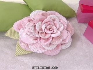 Как сшить подушку роза своими руками